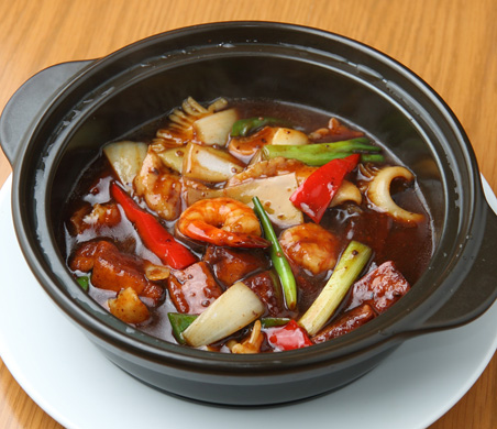 海鮮と豆腐のブラックビーンズソース煮込